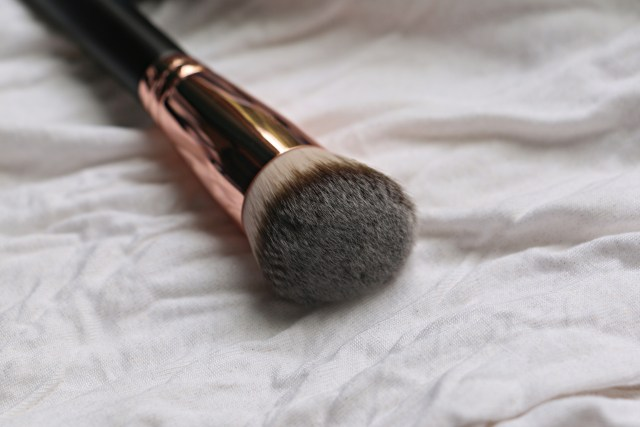 WiseShe Pro Base Makeup Brush | Review