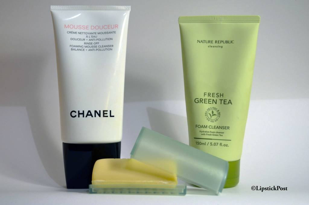 La Mousse Douceur di Chanel, il Facial Soap with Dish di Clinique e il Fresh Green Tea Foam Cleanser della Nature Republic