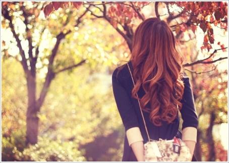 女性、秋、散歩
