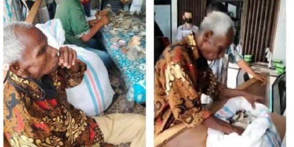 Kakek Sebatang Kara Bikin Kaget, Ditemukan Karung Isi Rp90 Juta di Rumahnya