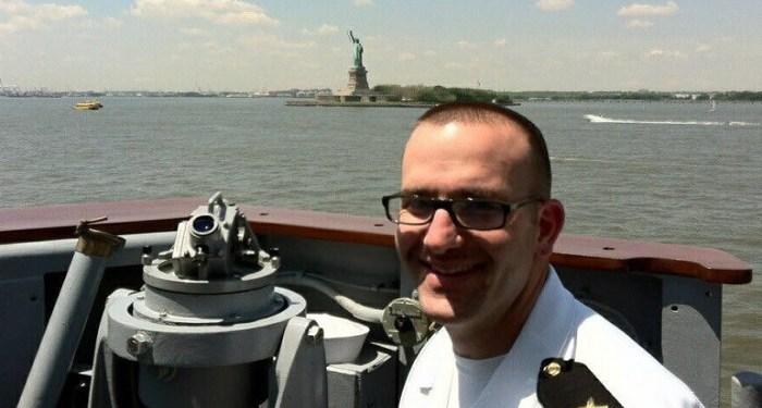 Seorang Muslim Terpilih Jadi Komandan Kapal Angkatan Laut AS – Islampos