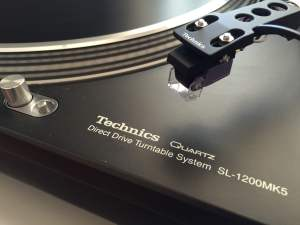 Technics SL-1200 Direct Drive Turntable Review