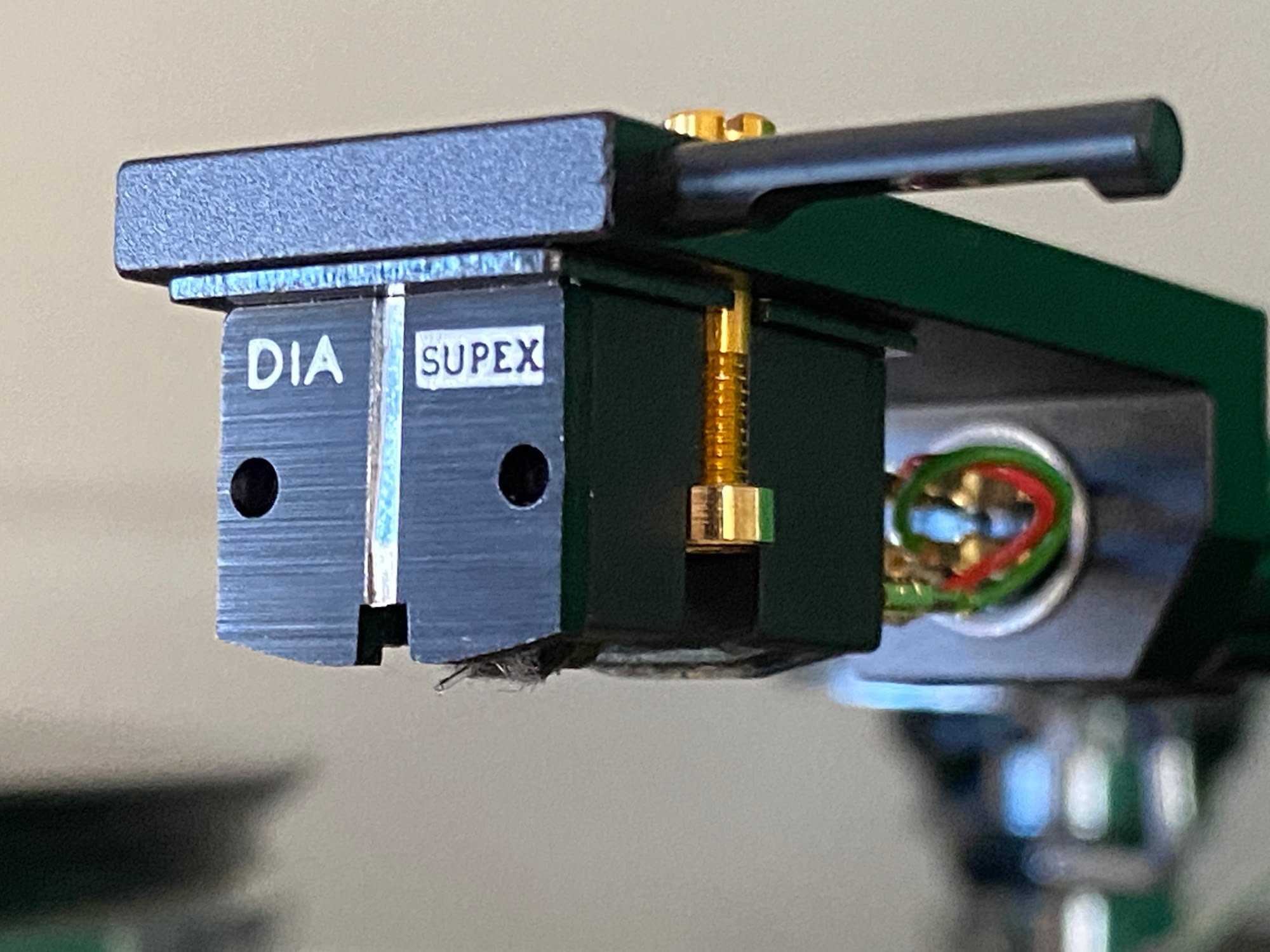 You are currently viewing High-End Cartridge/Stylus Inspection & Deep Cleaning