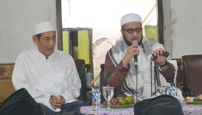 Al-Habib Umar bin Zain bin Smith Temui Santri