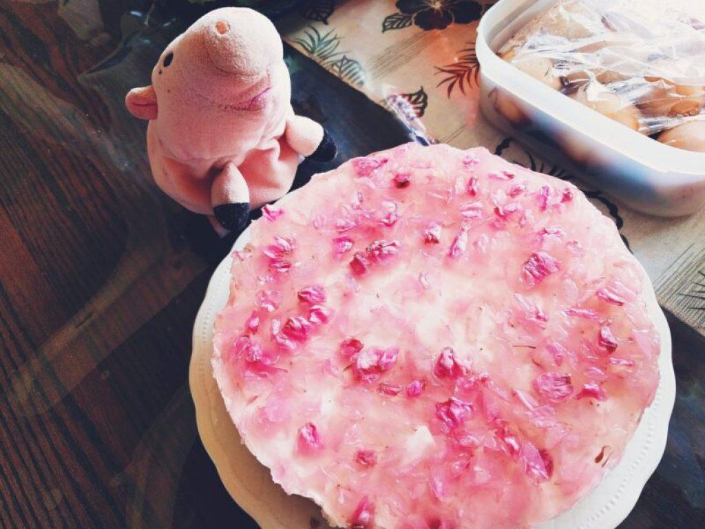 ピグママと桜のレアチーズケーキ