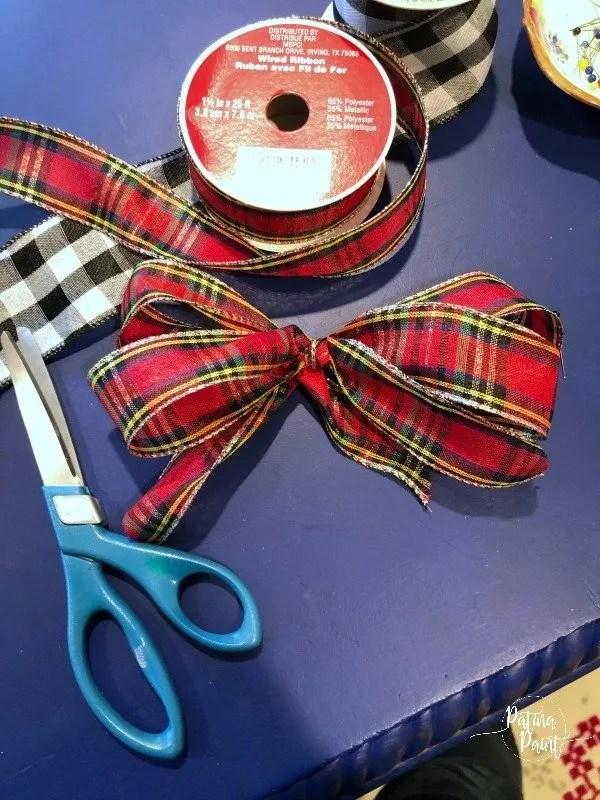 small ribbon bow