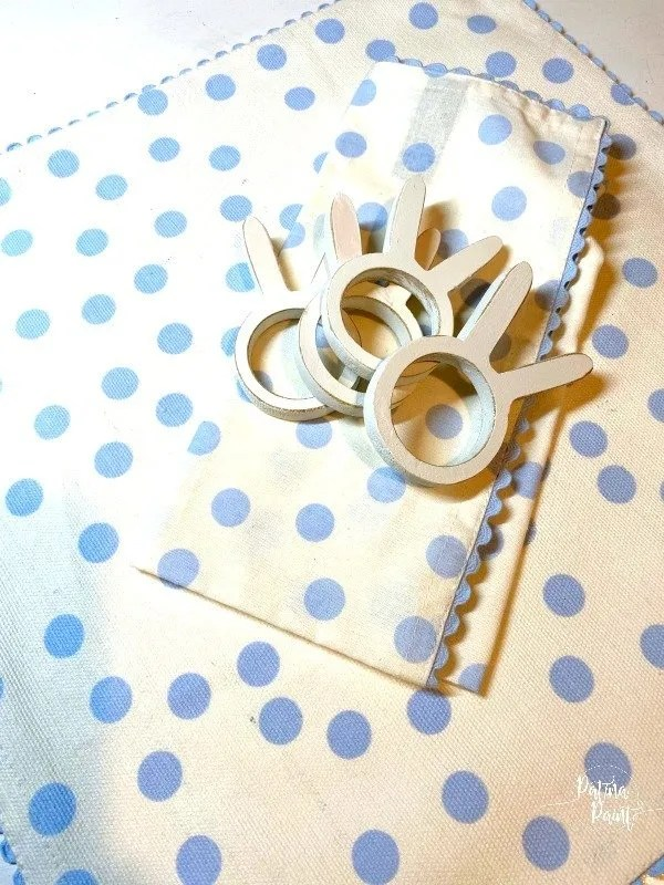 bunny napkin ring, napkin, placemat