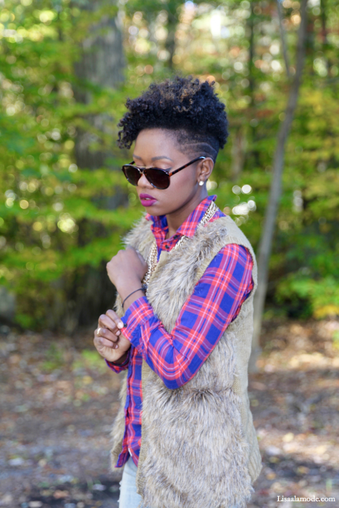 what-to-wear-plaid-shirt-outfit