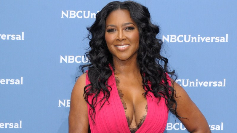 Kenya Moore Says Don't Come For Me or I'll Put a Cap In Your A$$!