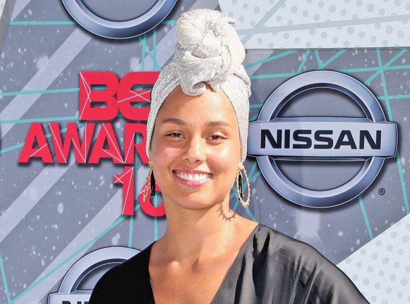 rs_1024x759-160829153052-1024-alicia-keys-fresh-faced-no-makeup-2-082916