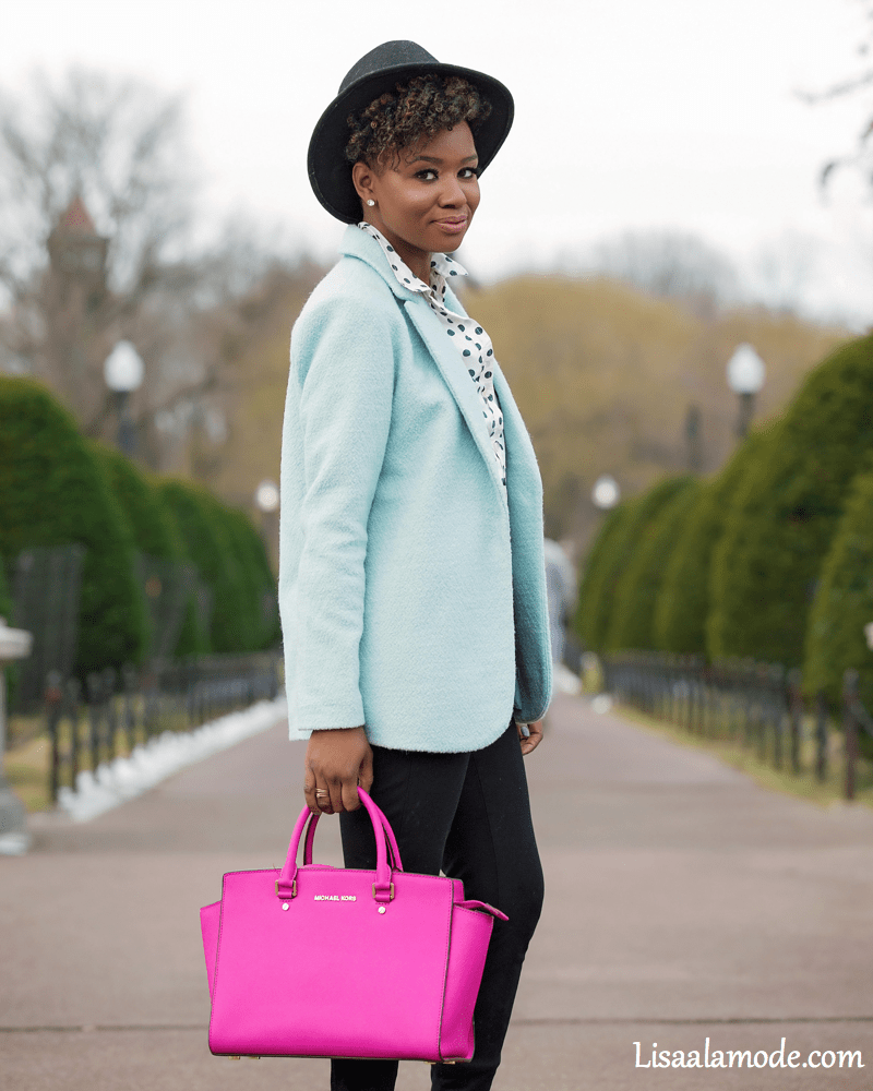 what-to-wear-with-a-light-blue-jacket2