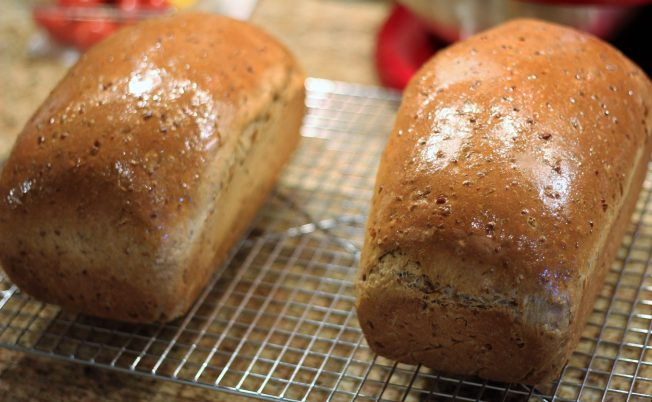 Cracked wheat onion bread4