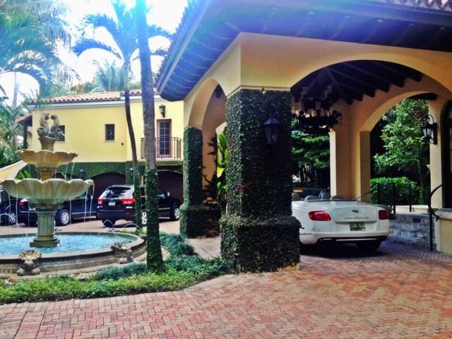Palm Island Houses
