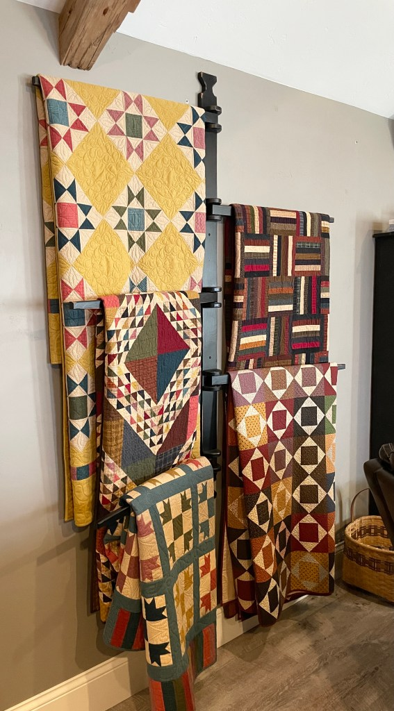 Primitive Gatherings 5 arm quilt hanger