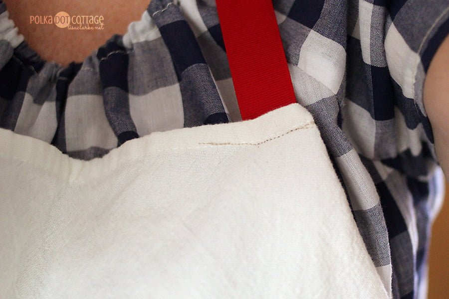 Tea Towel Apron Adjustments, at Polka Dot Cottage