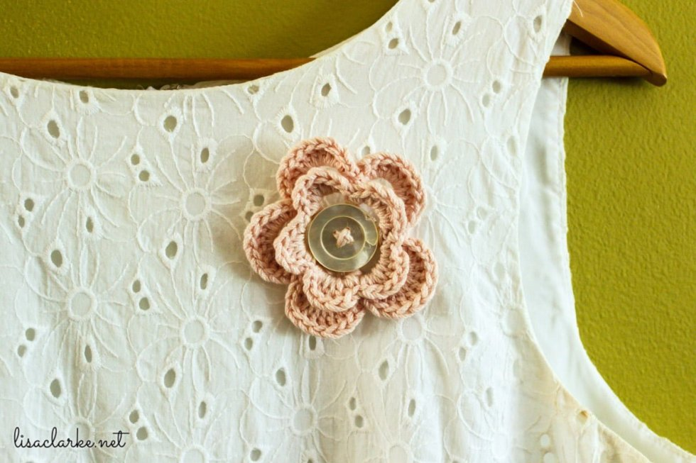 Flower pin without shawl
