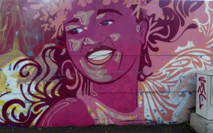 Wall In Papeete (4)