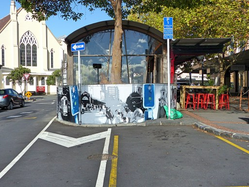 Auckland - Gasp - Beresford Sq