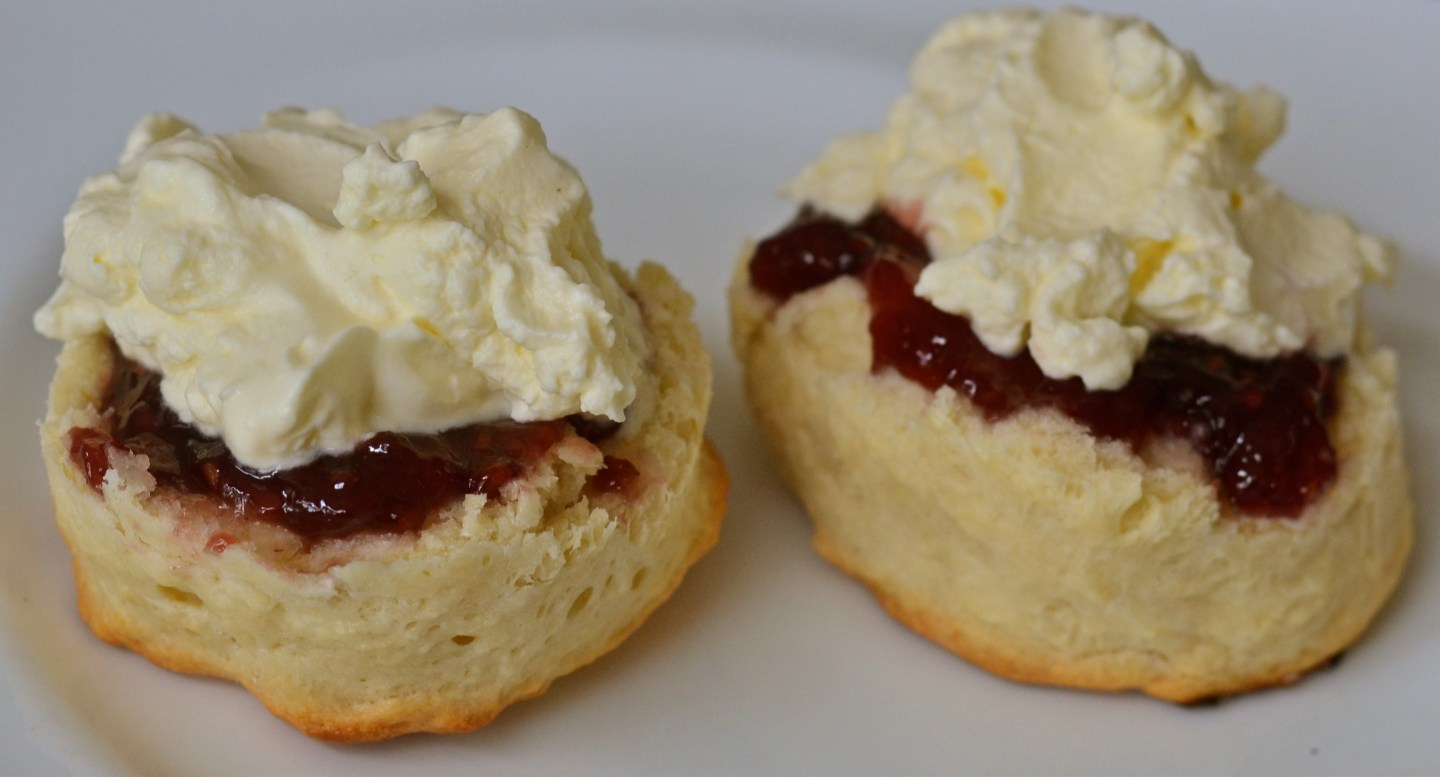 Buttermilk scones with jam & cream