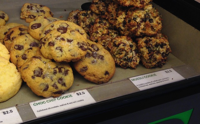 Chocolate Chip and sea salt Cookie - Earl Canteen