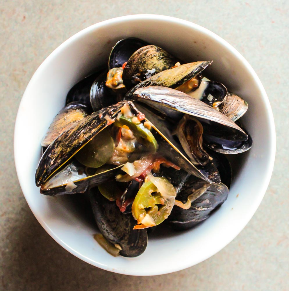 mussels in a jalapeno cream sauce_