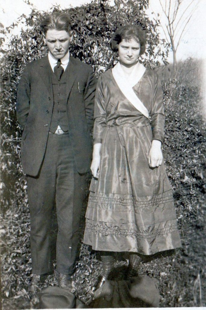 1910's couple - genealogy questions answered