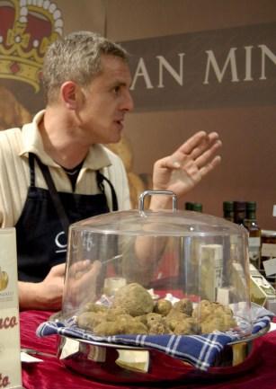 Truffle Vendor in San Miniato [Photo credit: anniejay / Foter.com / CC BY-SA]