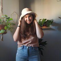 Mallory wearing cute sunhat