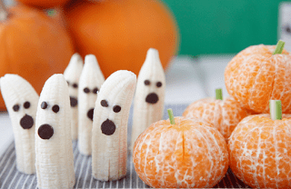 Clean Eating, Meal Planning, 21 Day Fix, Healthy Halloween Snacks, Healthy Halloween, Halloween Snacks, Halloween Party Ideas, Successfully Fit, Lisa Decker, banana ghosts, orange pumpkins