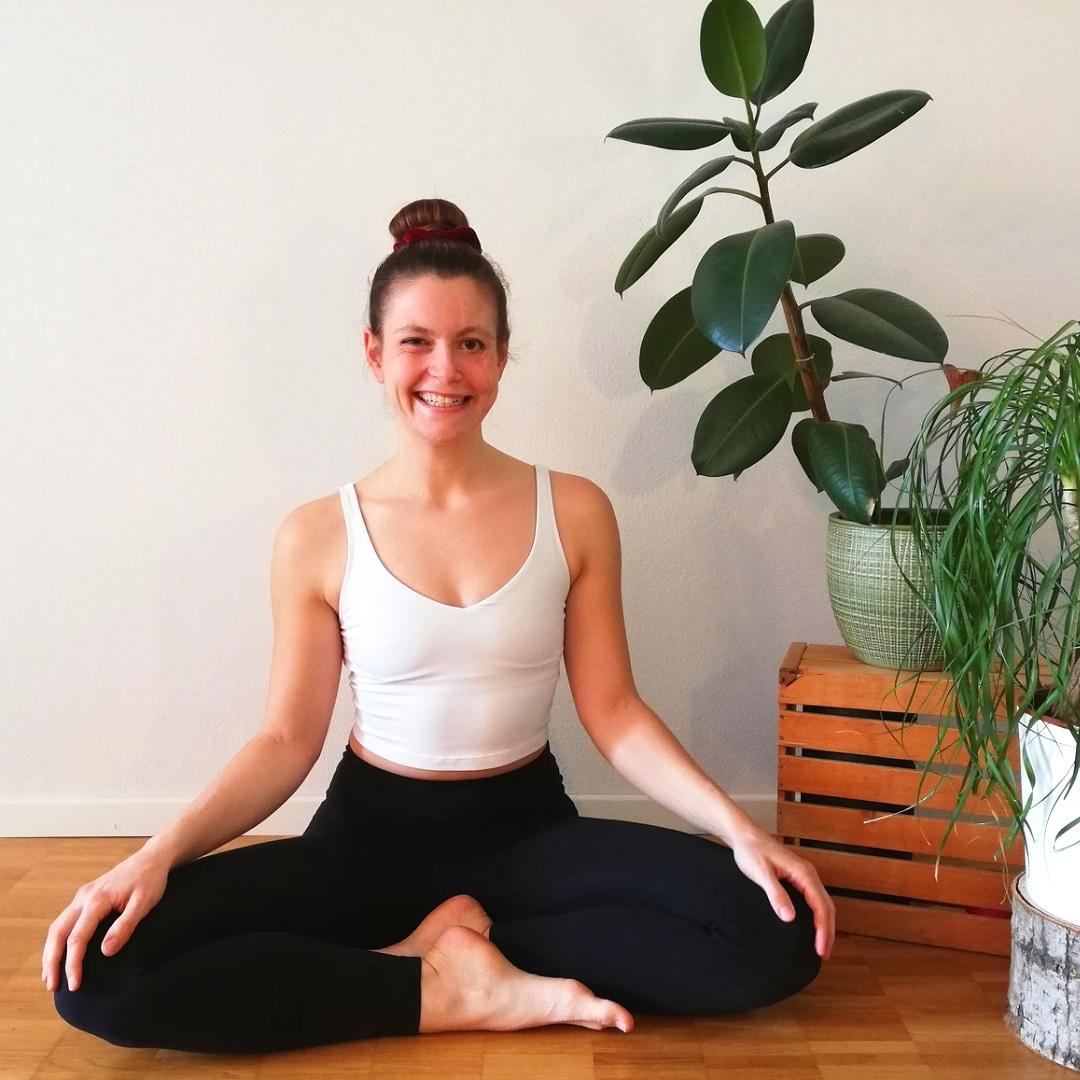 Lisa Monn Physio und Yoga Zürich