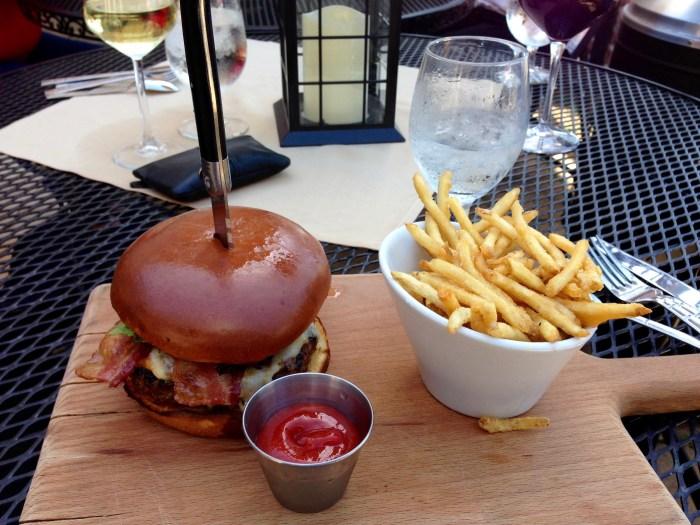 Corks&Cleaver burger
