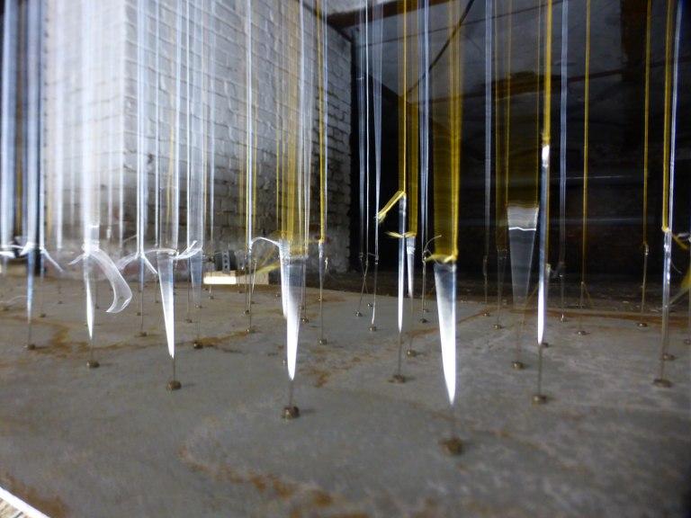 asymmetrische_information_Installation_View_motion_needles_adjusting_Lisa_Premk_Chemnitz_Wolkenkuckucksheim
