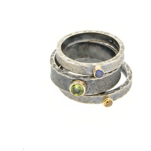 oxidised-silver-and-9ct-gold-kalinihta-rings-peridot-sapphire|Lisa Rothwell_Young