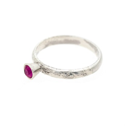 Alternative Engagement Ring - Lichen Textured Pink Sapphire Flat | Lisa Rothwell-Young