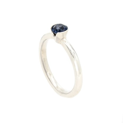 Ethical Engagement Ring - Platinum Sapphire Side View | Lisa Rothwell-Young