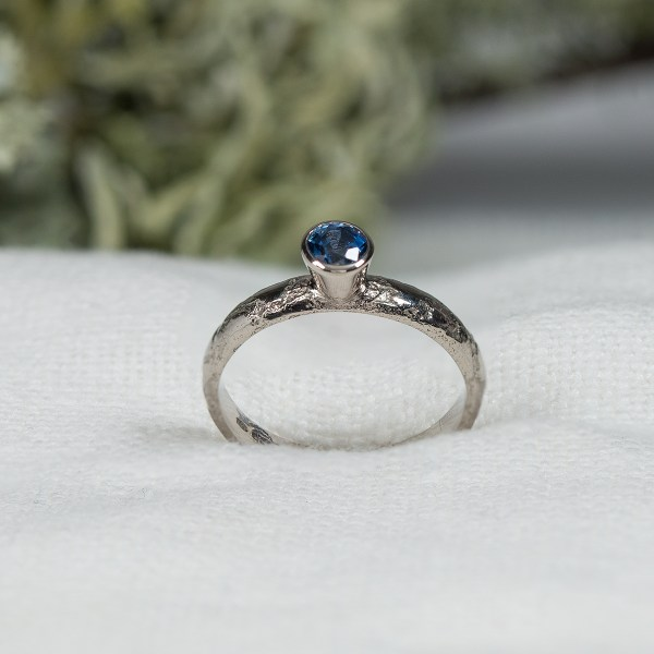 Lichen-Engagement-RingLisa-Rothwell-Young