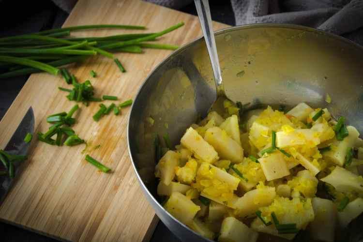 Kartoffelsalat_Petersilienwurzel_rezept_falscherkartoffelsalat-5703_klein