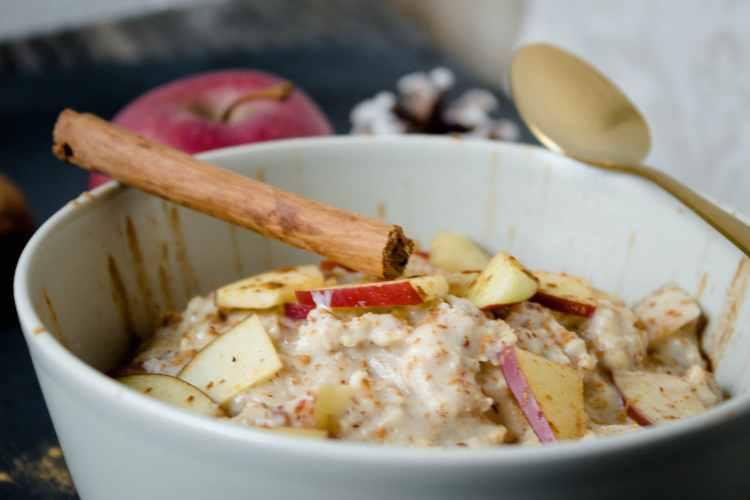 Bratapfel_Porridge_Rezept_Weihnachtsrezept_Proteinporridge_Bratapfelporridge1-7