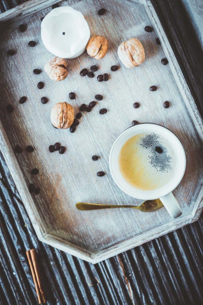 Mit Gewürzen schwarzen Kaffee pimpen. Ohne Zucker und ohne Milch.