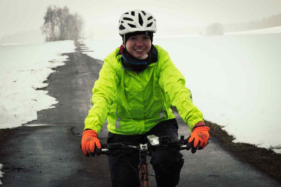 Radfahren im Winter - die perfekte Bekleidung für fahrradfahren im Schnee und bei Frost.