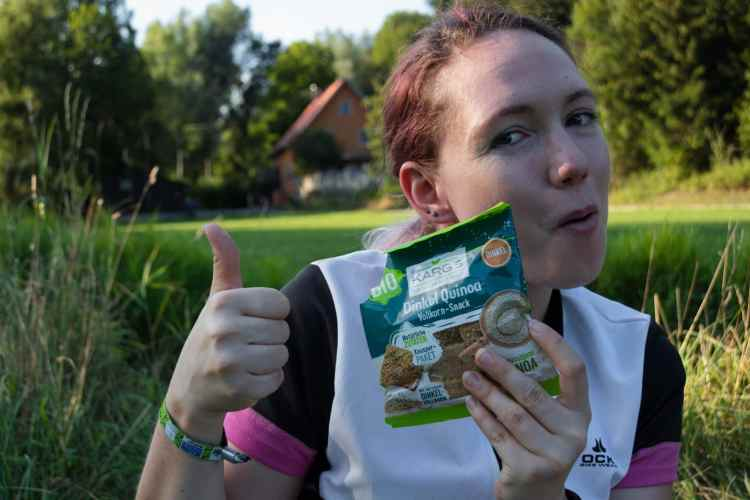 Dr Karg's Dingel Quinoa Vollkorn Snack ideal zum Radfahren
