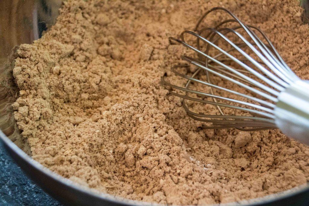 Proteinkuchen aus Haferflocken und gemahlenen Nüssen - ganz ohne Mehl