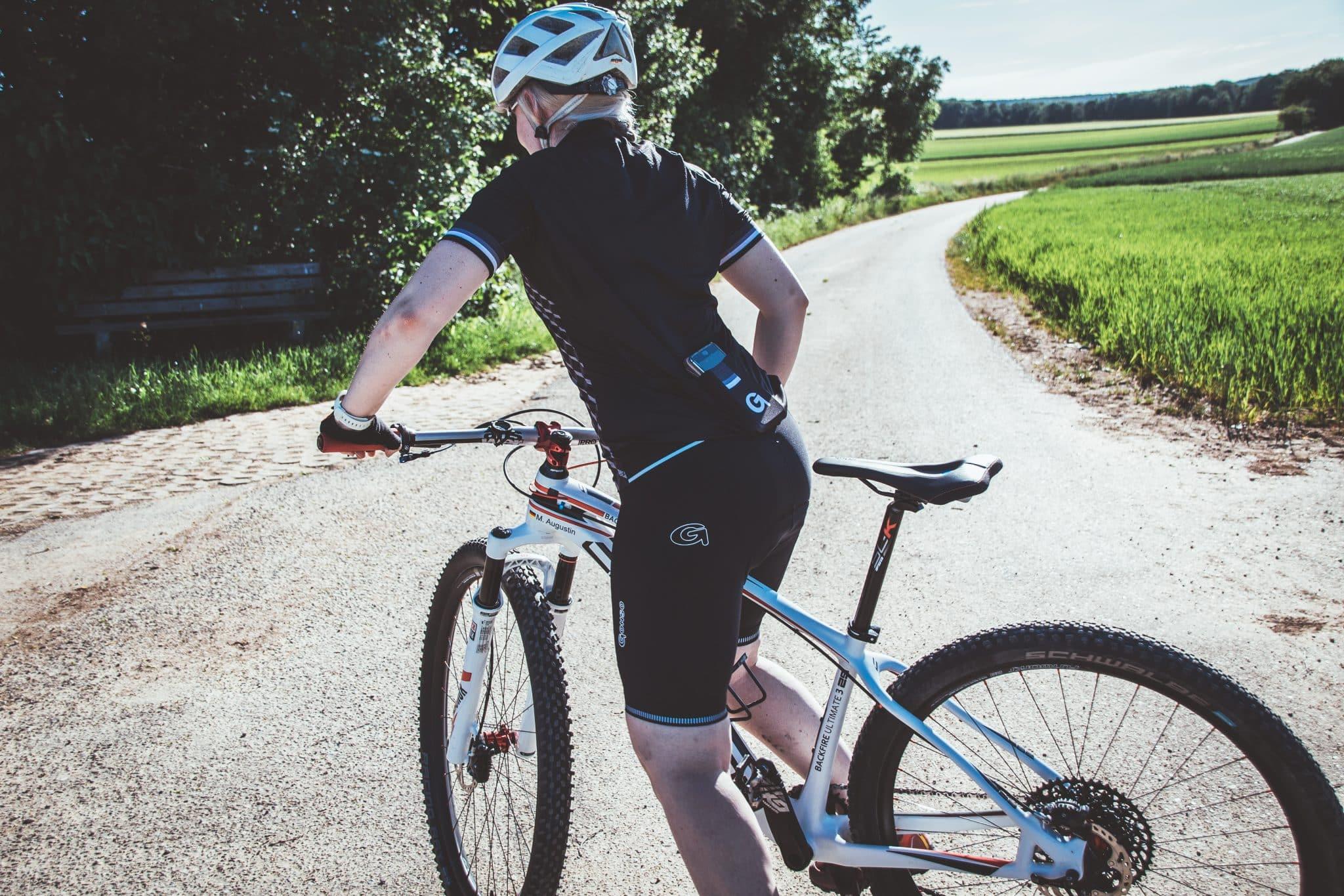 Die perfekte Radhose zum Radfahren gegen Sitzschmerzen auf dem Fahrrad. Radhosen mit Polster von Gonso.
