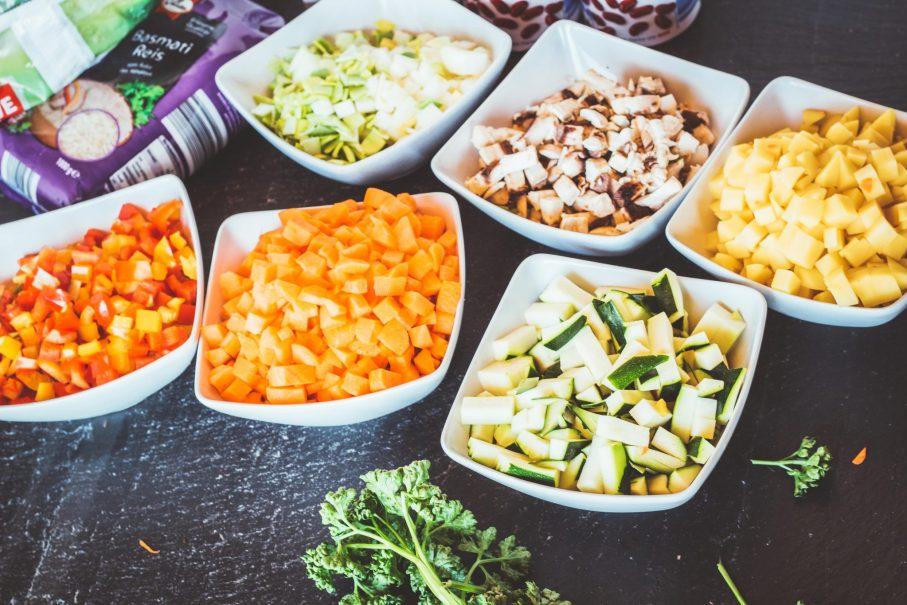 Vorbereitung für Meal Prep. Gesund Vorkochen für Essen zum Mitnehmen.