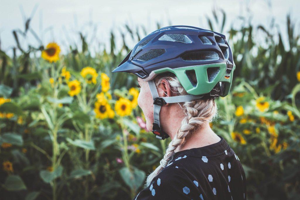 Die richtige Frisur für Radfahrer - keine zerstörte Frisur mehr durch den Fahrradhelm.