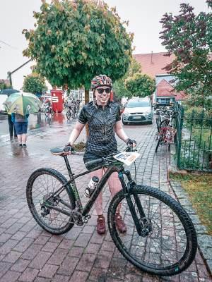 Nach einem Mountainbike Wettkampf - LisasBunteWelt Blog über gesunde Ernährung und Radsport.