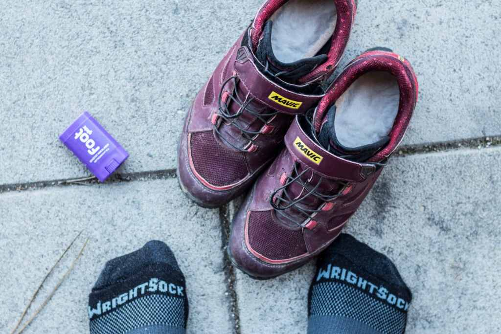 Socken von Wrightsock helfen auch in Fahrradschuhe Blasen vorzubeugen.