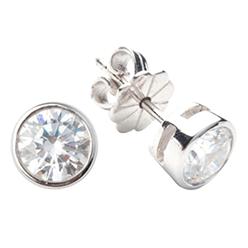 Desert-Diamonds---Brilliant-Cut-Bezel-Solitaire-Stud-Earring