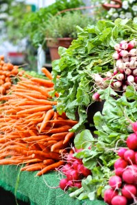 S - SPRING  (market with carrots, herbs, and radishes)