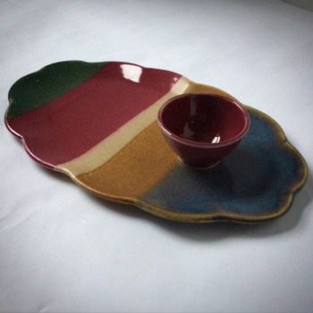 Soft edged plate with coordinating dish